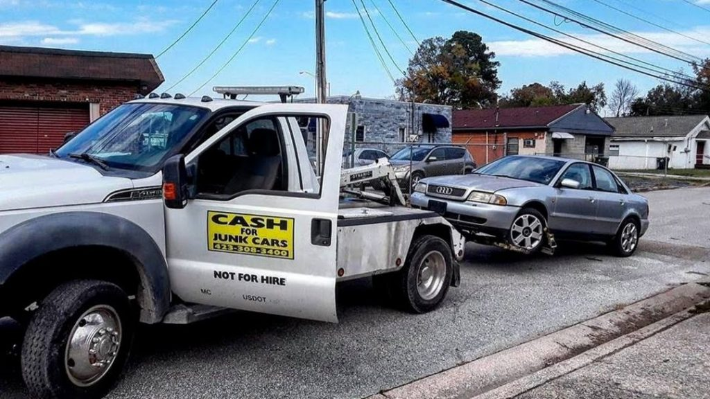 Utilizing Towing Services for Emergency Road Assistance